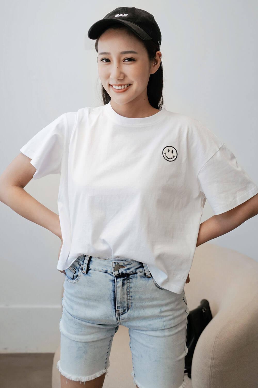 電繡笑臉寬鬆T恤