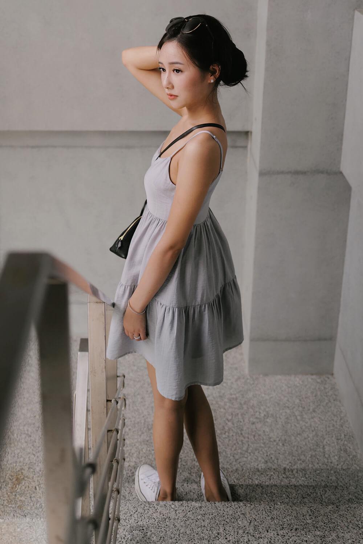 細肩帶短版連身裙