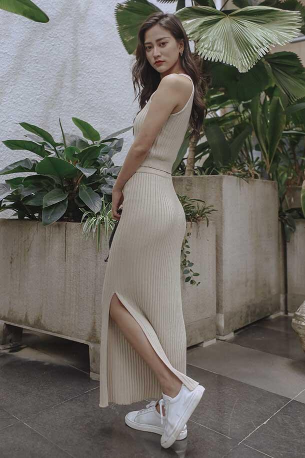 坑條開岔針織長裙