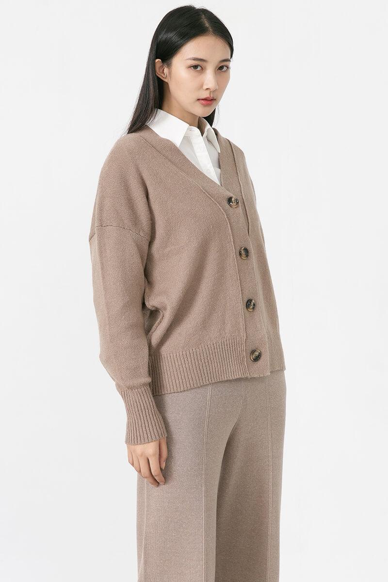縫線外露開襟衫
