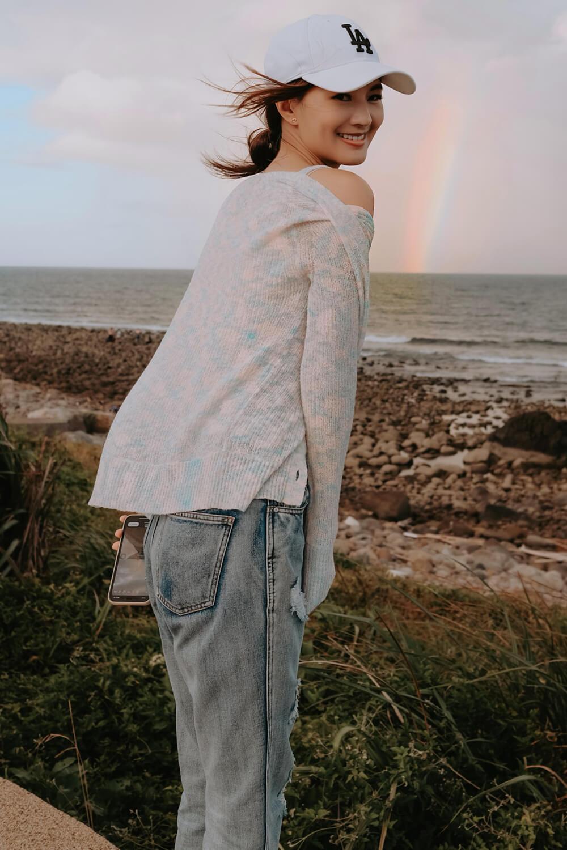 針織彩虹小外套