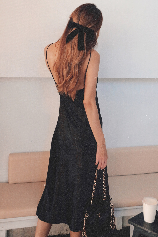 蕾絲緞面長洋裝