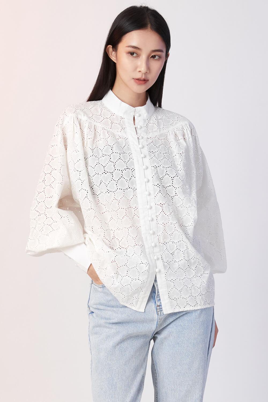 高領繡花澎袖襯衫