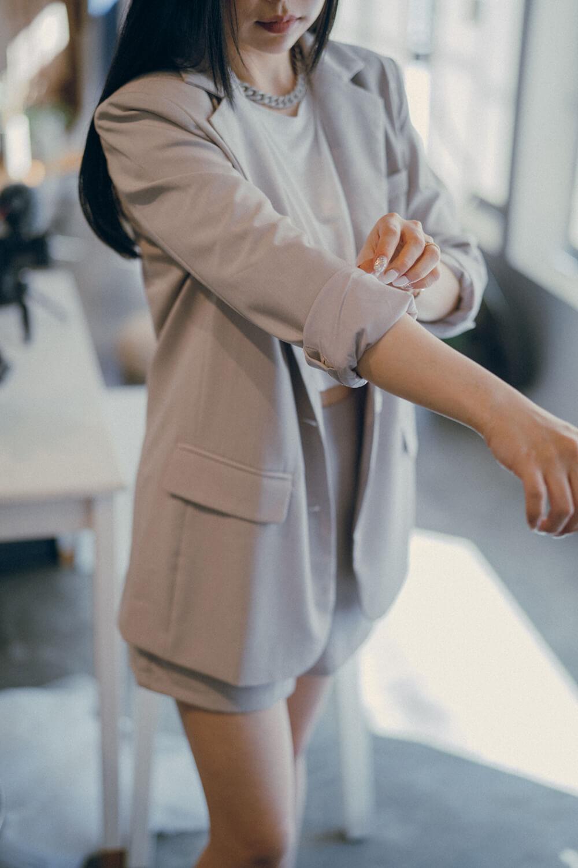 薄墊肩西裝外套