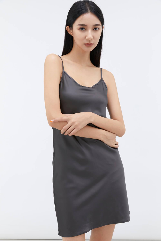 V領緞面洋裝